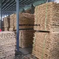 大量供应松木和香樟木托盘木箱材料