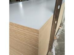 山东临沂18厘单贴暖白雕刻镂铣吸塑门板