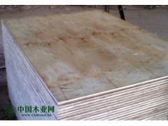生产供应包装板,异形板,多层板,夹纸板等各种尺寸板材