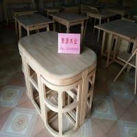 出售木制桌子