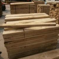 长期出售烘干榆木板材