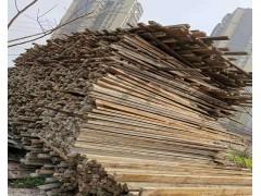 常年收购长短工地杉木杆