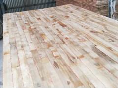 长期大量供应杨木细木工板芯