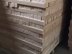 大量出售木托盘脚