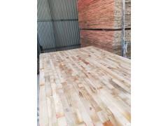 南阳专业拼板厂常期大量供应杨木桐木旧方木旧模板板芯