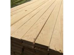 供应云杉辐射松樟子松板材