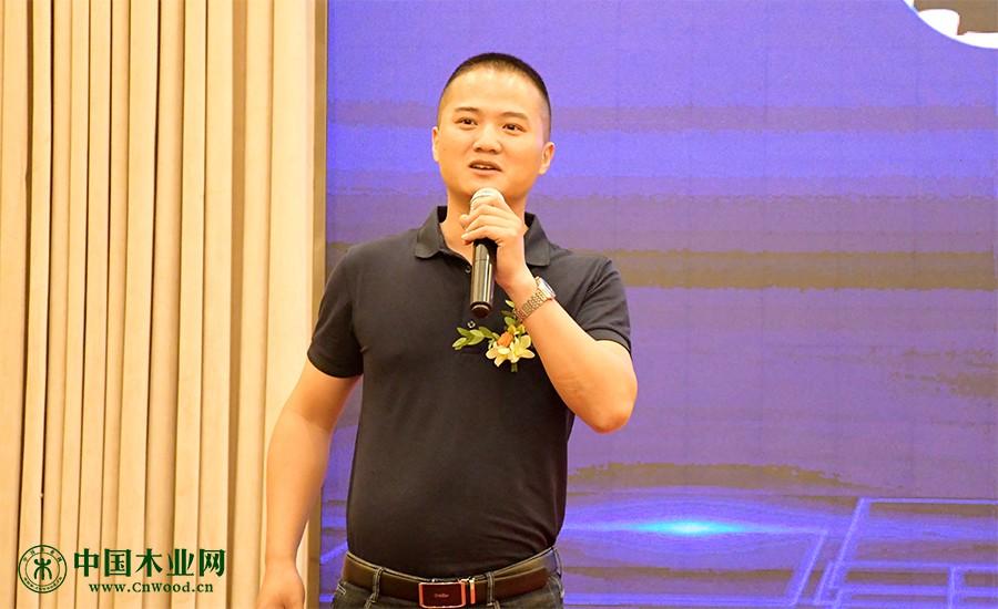 TATA木门上海总经理王耀奏现场分享