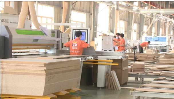 荆州市三季度项目拉练活动观摩监利县三家企业
