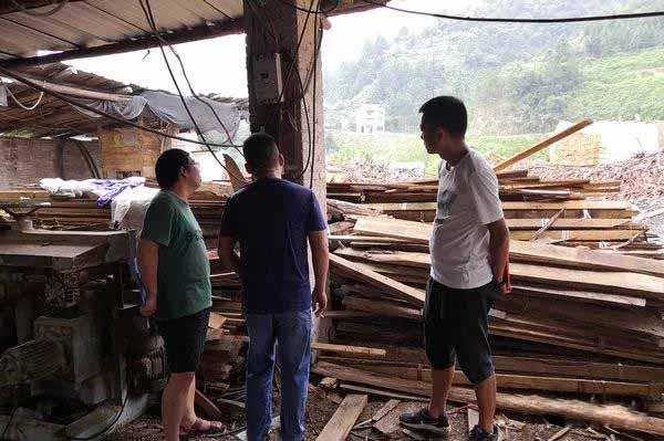 贵州蕉溪镇对木材加工厂进行安全生产检查