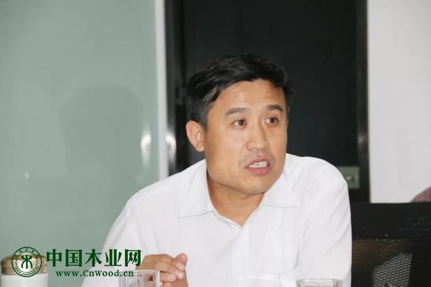 山东省家具协会副会长/秘书长 韩庆生 作会议总结