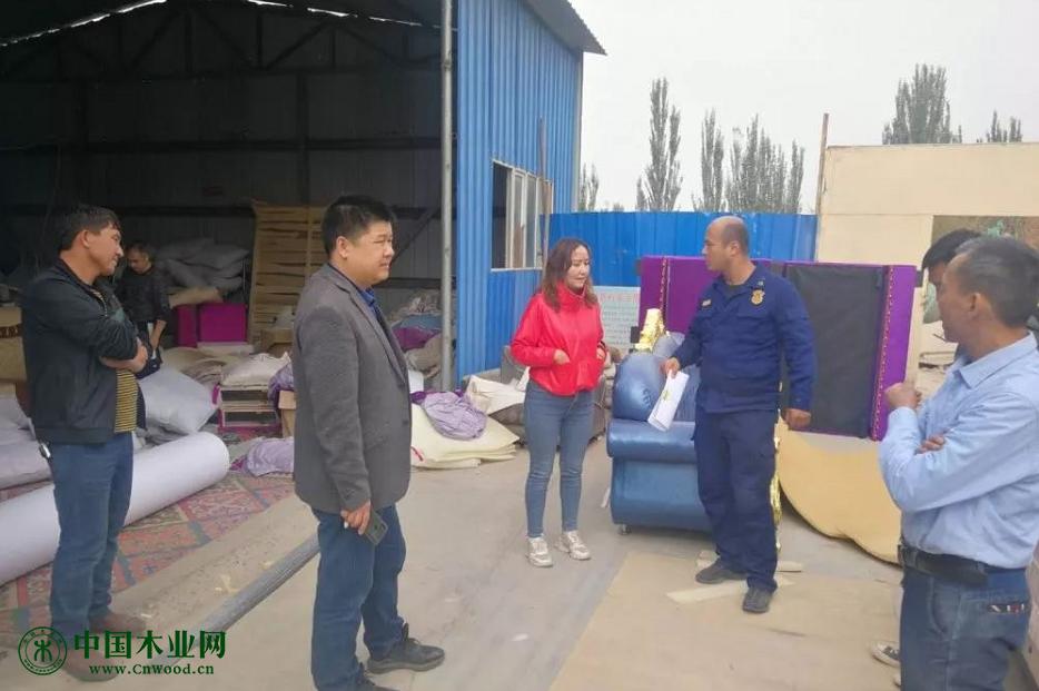 疏附县消防大队深入木材加工企业开展消防安全检查
