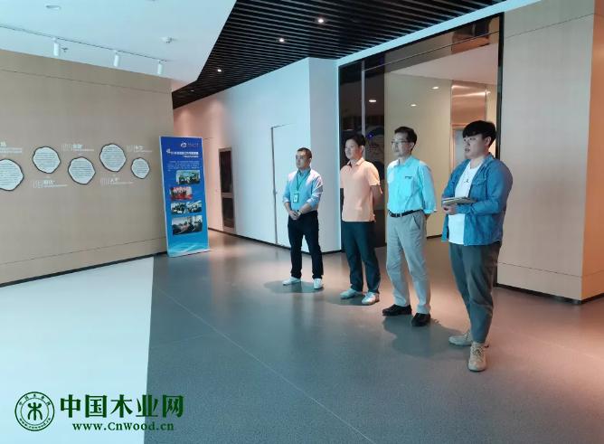 台升实业有限公司(浙江)副总经理刘士鸿一行莅临嘉善木业综合体参观交流