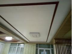 胶州竹木纤维集成墙板直营店高铁站