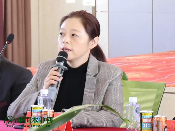辽宁省家具协会常务副会长白红