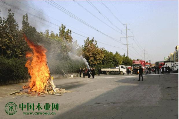 临沂商城华东胶合板市场举行消防演练