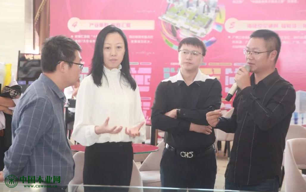 世博汇招商运营项目总经理陈代君介绍世博汇