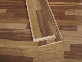 夏末秋初保养木地板方法