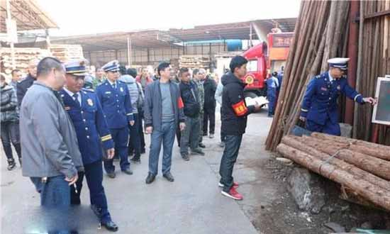 广西贺州市消防开展木材加工作坊消防隐患自查自改、培训演练集中行动
