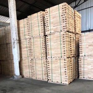 泰国橡胶木AA无节刨光柱子料