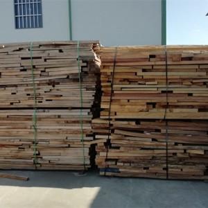 长期供应大板厂、园林古建厂板皮、下角料、锯末以及烘干废料等