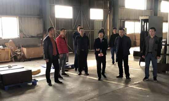 莆田市秀屿区常务副区长带队到木材加工区进行节前安全检查