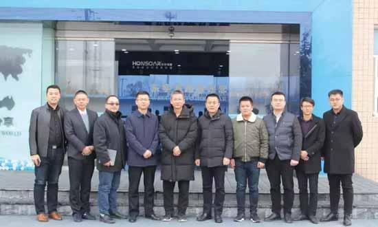 山东爱格装饰材料有限公司与东宇鸿翔新材料科技有限公司签署战略合作备忘录