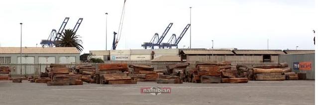 部分的小巴花,红苏木和红高棉(安花梨)都置于鲸湾港附近的博茨瓦纳陆港(Botswana dry port)堆场