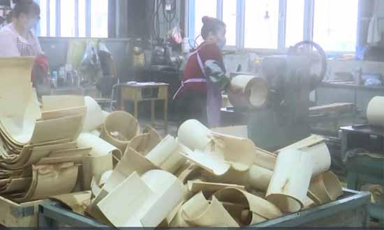 黑龙江木材加工出口企业复工复产 保证外贸订单