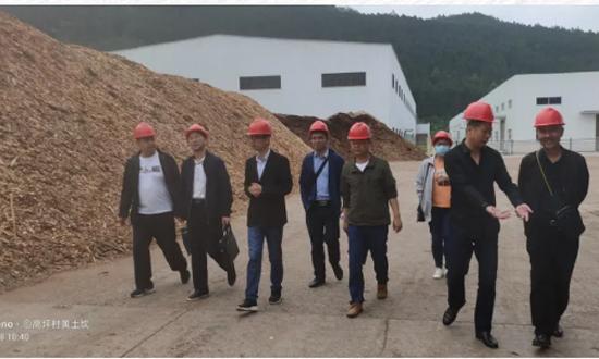 黔南州2020年木材经营加工企业监管工作组对龙里县木材加工厂督导检查