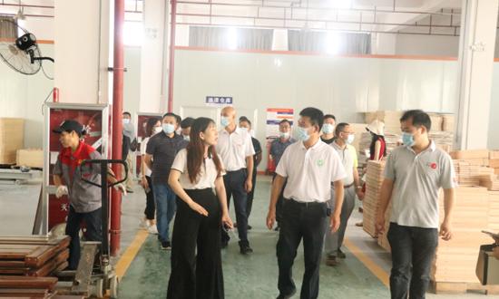 伦教木工机械商会考察南康家具产业,加强行业交流共谋发展