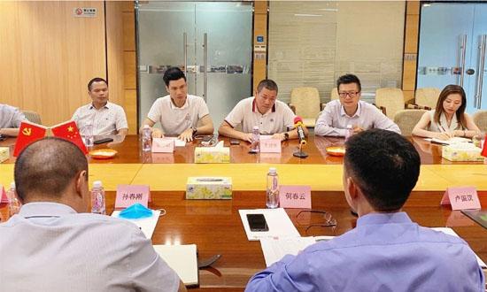 顺德龙江镇党委书记何春云带队开展家具发展调研座谈会