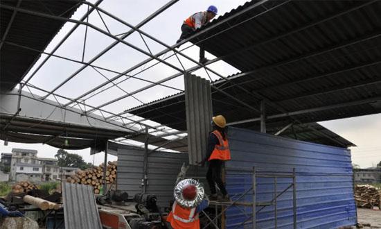 """广西南宁长塘镇:违建木材加工厂被拆除,十多万元""""打水飘"""""""