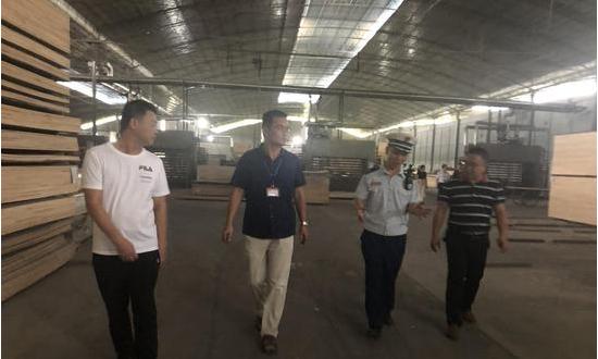 广西柳州一木材加工厂火灾隐患严重被临时查封
