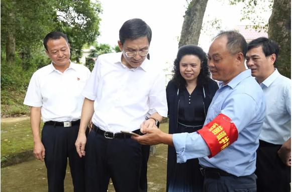 江西省副省长陈小平赴遂川县调研林业工作
