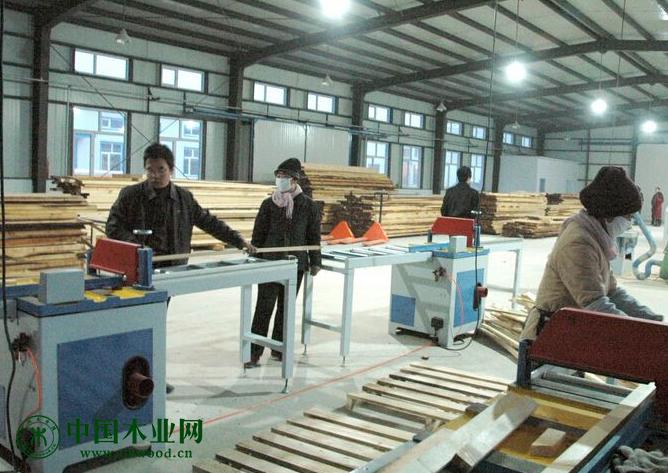 泗洪7家木材加工企业顺利完成兼并重组