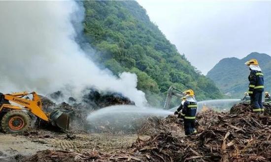百色田东一木材厂意外发生火灾