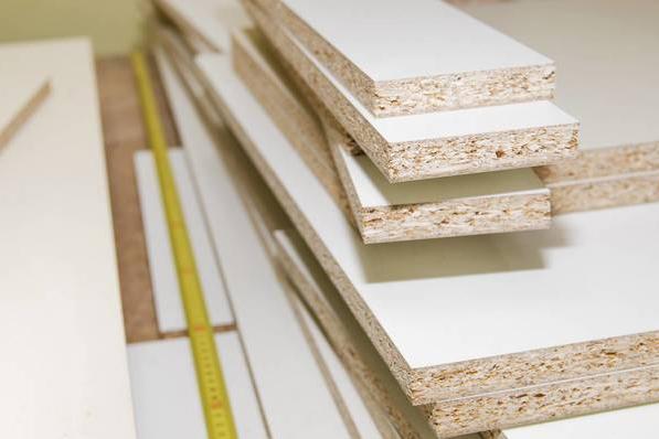 英国1月实木及板材进口量89.5万立方米,同比增12.6%