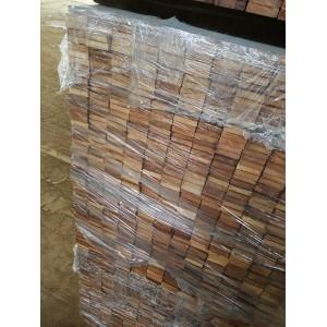 致禾木业赢印尼菠萝格地板户外防腐木栈道葡萄架苏州发货
