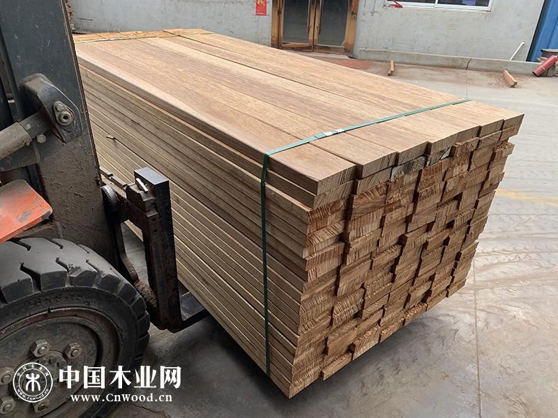 张家港南美柚木户外防腐木古建木方木条户外地板实木板材